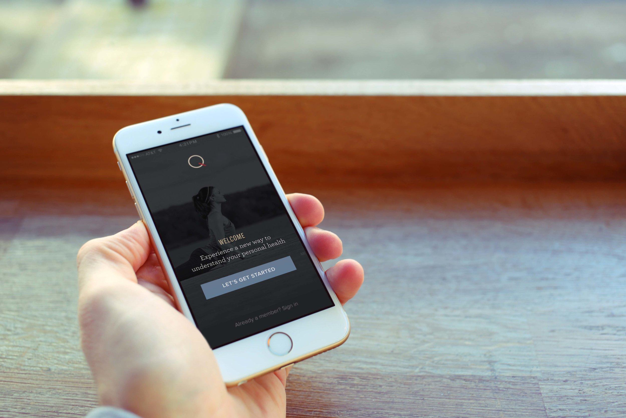 iPhone 6 Café Hand.jpg