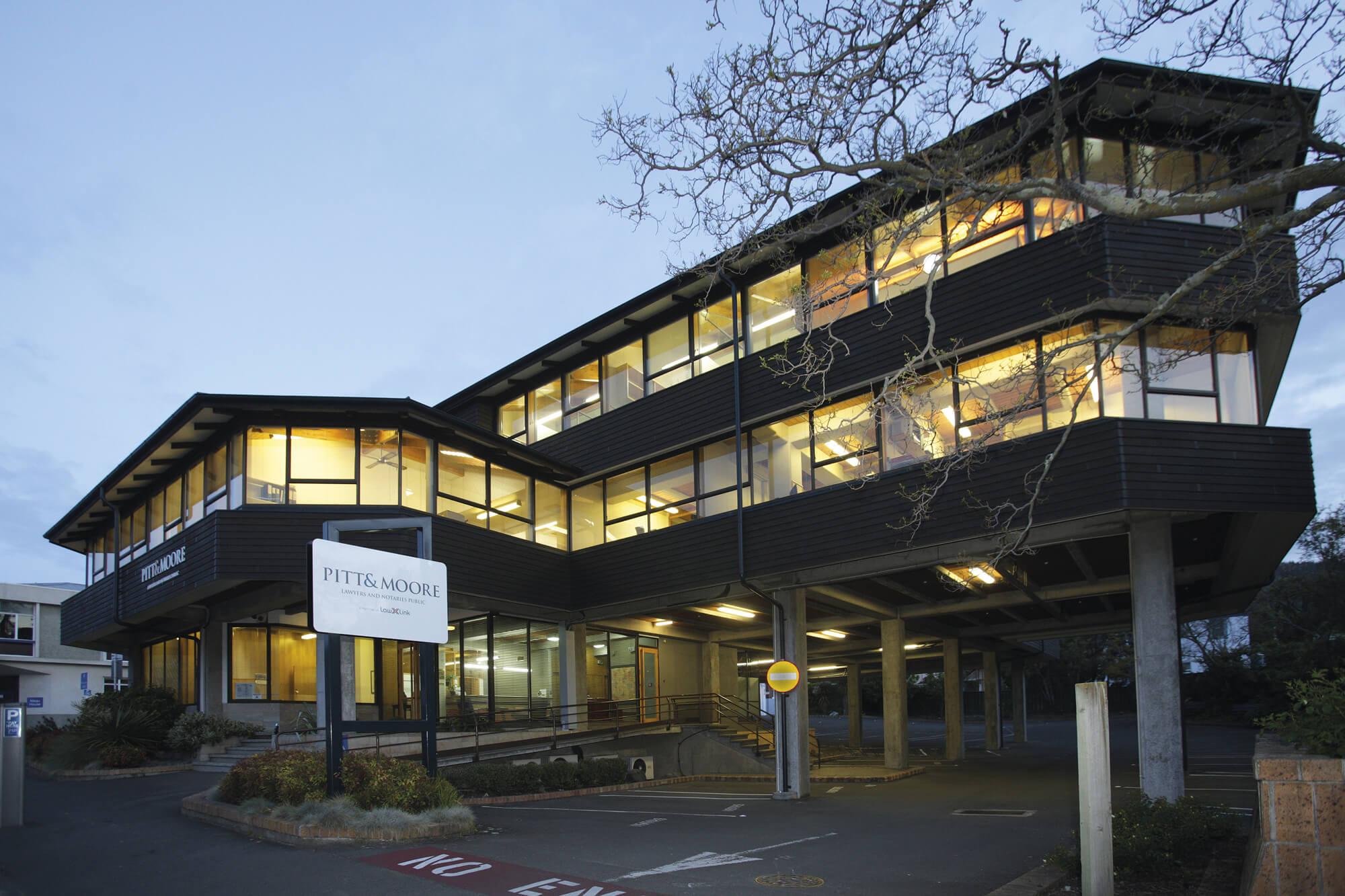 Pitt&Moore-office-(3) (1).jpg