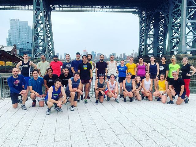 HAPPY GLOBAL RUNNING DAY! Love your Doves and Just South morning crews. ❤️⁣ ⁣ #globalrunningday ⁣ #nyrr⁣ #northbrooklynrunners #nbrglobalrunningday  Pic by @sydneyrlim