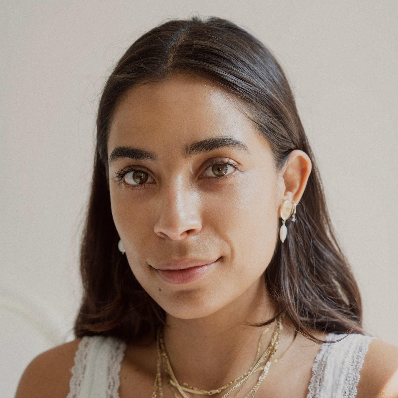 Bianca Valle   Holistic Nutritionist & Painter, @vbiancav