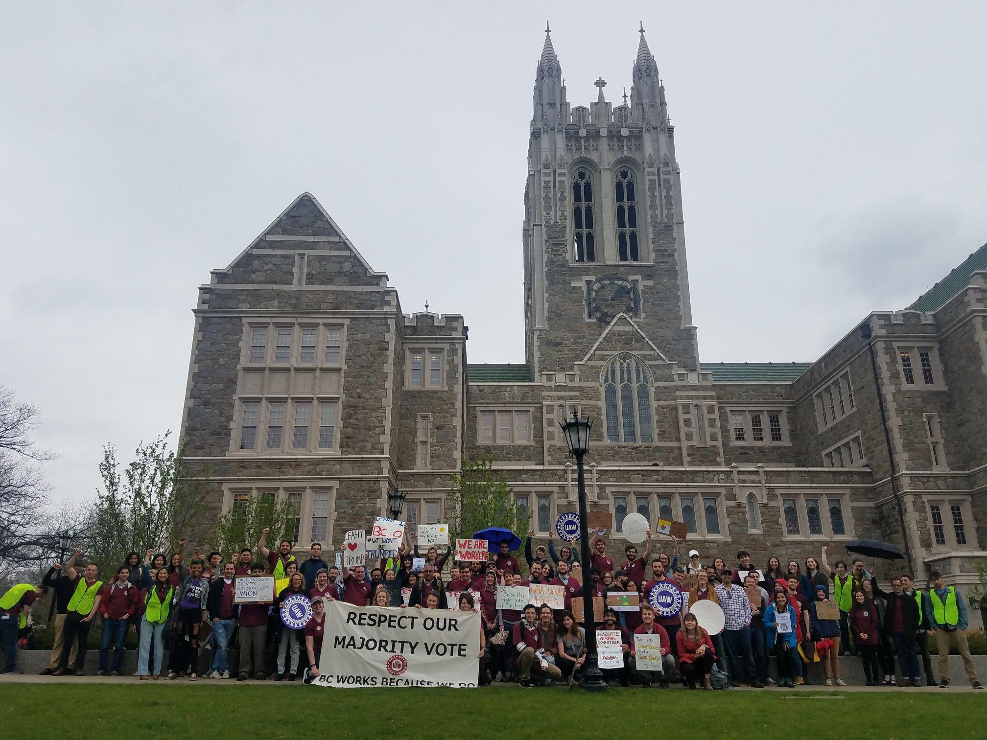 BostonCollegeStudentsInFrontofGothicBuilding