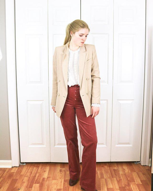#ootd *Sezane Christie jacket *Sezane Madeleine blouse *Sezane Etienne trousers #MK boots . . . .  #sezane #sezanette #sezanegirls #neutralstyle #parisianstyle #neutralstyle #springstyle #consciousstyle #discoverunder10k #choosewell #frenchbrand #frenchstyle #paris #lookdujour #fashion #outfitoftheday #lookoftheday #minimalist #minimalstyle #workwear #buylessbuybetter #parisianvibes #minimaloutfit