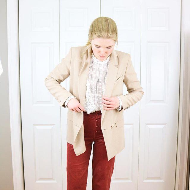#ootd *Sezane Madeleine blouse *Sezane Etienne trousers . . . . . #neutralstyle #parisianstyle #neutralstyle #springstyle #consciousstyle #discoverunder10k #choosewell #frenchstyle #lookdujour #fashion #outfitoftheday #lookoftheday #minimalist #minimalstyle #workwear #buylessbuybetter #parisianvibes #minimaloutfit #sustainablestyle #sustainablefashion #slowfashionmovement #slowfashion #neutrals #minimaloutfit #sezane #sezanette #sezanegirls #parisianstreetstyle