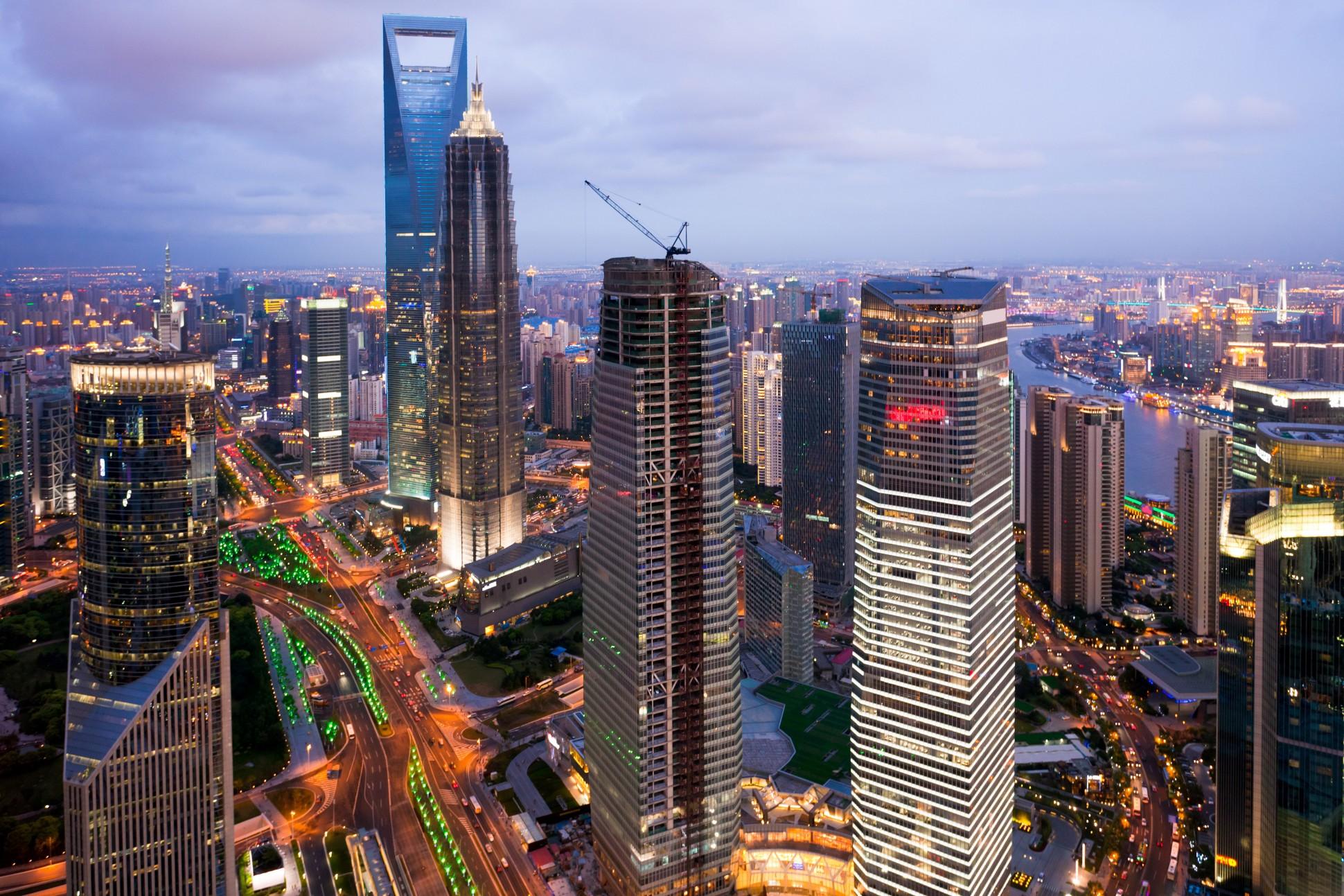 - Còn tại Trung Quốc, riêng quốc gia này đã có khoảng 300 dự án thành phố thông minh thí điểm đang được triển khai tại một số thành phố lớn.