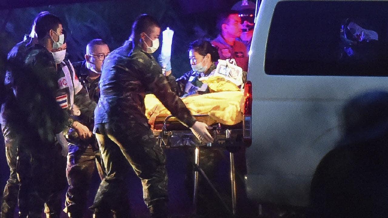 - Tuy giải cứu về cơ bản đã thành công, nhưng đội bóng vẫn còn phải nằm viện để chữa trị trong vòng 1 tuần.