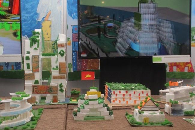 Một dự án sáng tạo của học sinh trưng bày tại triển lãm. Ảnh: Hà Thế An.
