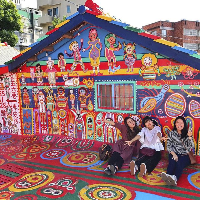 rainbow-village-taichung-taiwan-huang-yung-fu-18.jpg