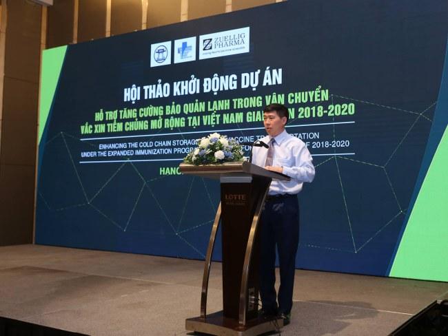 Ông Đoàn Hữu Thiển - Viện trưởng Viện Kiểm định Quốc gia Vắc xin và Sinh phẩm Y tế phát biểu khai mạc Hội thảo