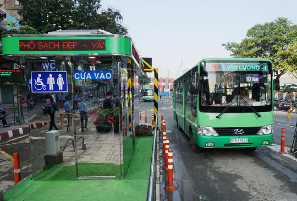 Có điễm giữ xe máy ở bến xe buýt là một trong những định hướng được đưa ra nhằm nâng cao sản lượng khách đi xe buýt