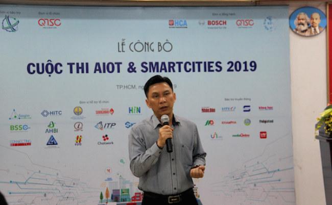 Ông Nguyễn Việt Dũng phát biểu tại lễ công bố cuộc thi