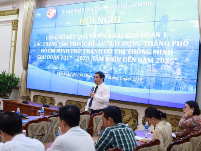 Giám đốc Sở TTTT TP.HCM Dương Anh Đức báo cáo kết quả triển khai giai đoạn 1