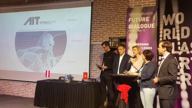 Các đại diện của Hội doanh nghiệp Áo trình bày những cơ hội 2 bên có thể hợp tác