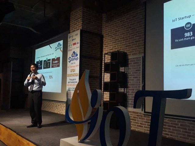 Ông Lê Thành Nguyên, Giám đốc Vườn ươm doanh nghiệp công nghệ cao, Ban quản lý Khu công nghệ cao TP.HCM, đại diện Ban tổ chức thông tin về các vấn đề của cuộc thi. Ảnh: Hà Thế An.