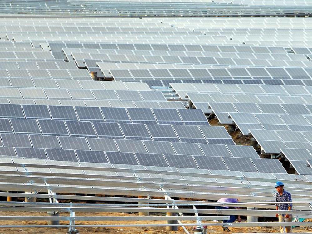 Lưới truyền tải không theo kịp sự có mặt của các dự án điện mặt trời, khiến nhiều dự án được yêu cầu giảm công suất phát.