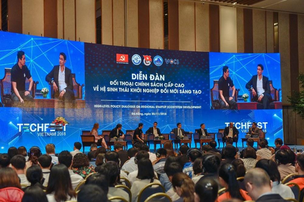 """Diễn đàn """"Đối thoại chính sách cấp cao về hệ sinh thái khởi nghiệp đổi mới sáng tạo"""" diễn ra trong khuôn khổ Techfest 2018 tổ chức tại Đà Nẵng."""