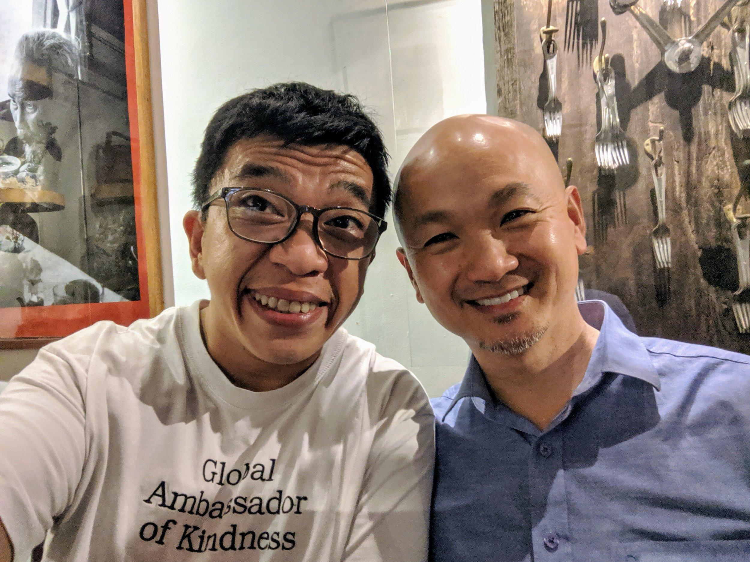 - Đây là giáo sư Hùng Nguyễn – nhà nghiên cứu về lãnh đạo chánh niệm của đại học Columbia, Mỹ.