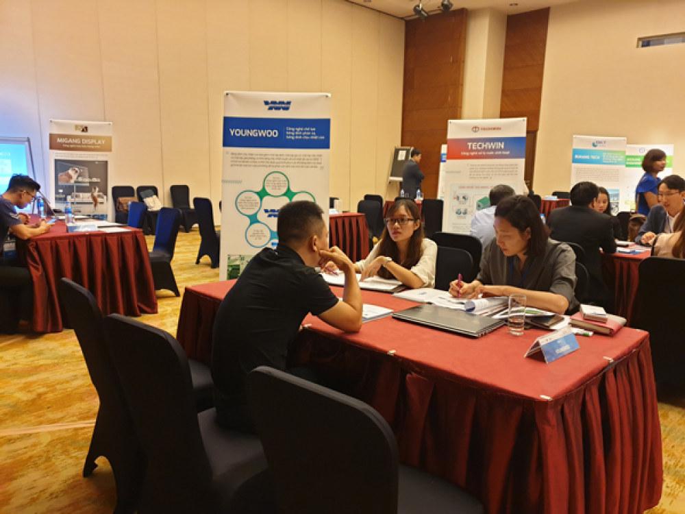Doanh nghiệp Việt Nam tìm hiểu về các giải pháp công nghệ do doanh nghiệp Hàn Quốc phát triển