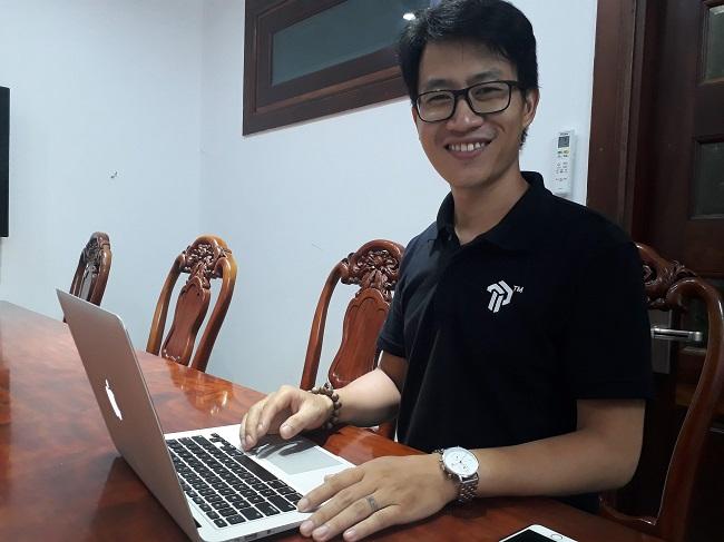 Phạm Anh Tuấn đã có những chia sẻ về hành trình từ sáng chế đến thị trường. Đây là vấn đề rất nhiều bạn trẻ khởi nghiệp quan tâm. Ảnh: Hà Thế An.