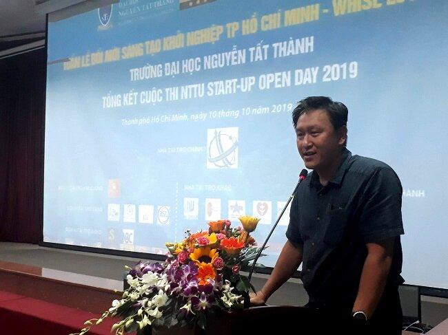 Ông Đỗ Nam Trung, đại diện Sở Khoa học và Công nghệ TP.HCM, phát biểu tại buổi lễ. Ảnh: Hà Thế An.