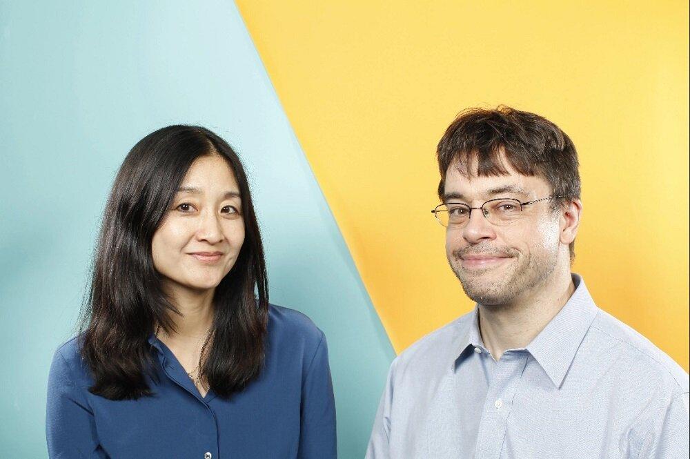 """Nữ nhà báo Christine Gross-Loh và Giáo sư  Michael Puett, đồng tác giả cuốn sách """"Minh đạo nhân sinh"""""""
