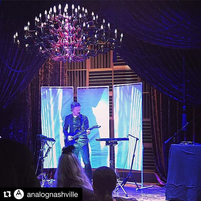 Had a great time bringing in 2018 at @analognashville! Thanks to everybody for coming out to celebrate with us.
