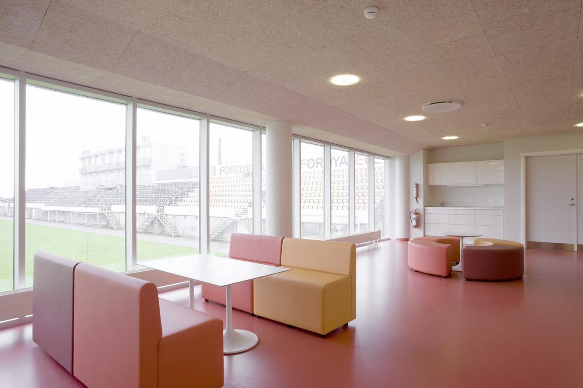 _Y8Q5805 lounge.jpg