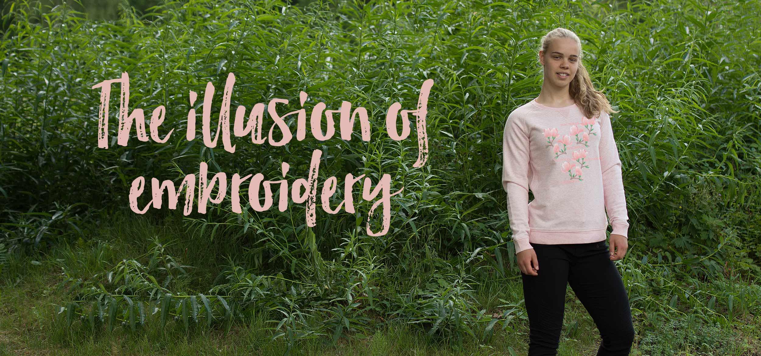 Illusionen av broderi finns på denna sköna tröja med Magnolior på. Luckimi @luckimibrand www.luckimi.com
