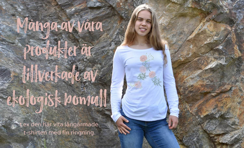 Långärmad t-shirt med fin ringning från Luckimi tillverkad i ekologisk bomull.