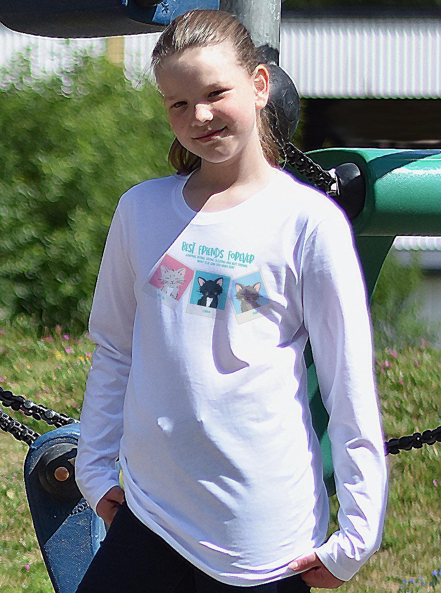 Söta kattungar på denna långärmade t-shirt. 98/104-146/152. Luckimi @luckimibrand www.luckimi.com