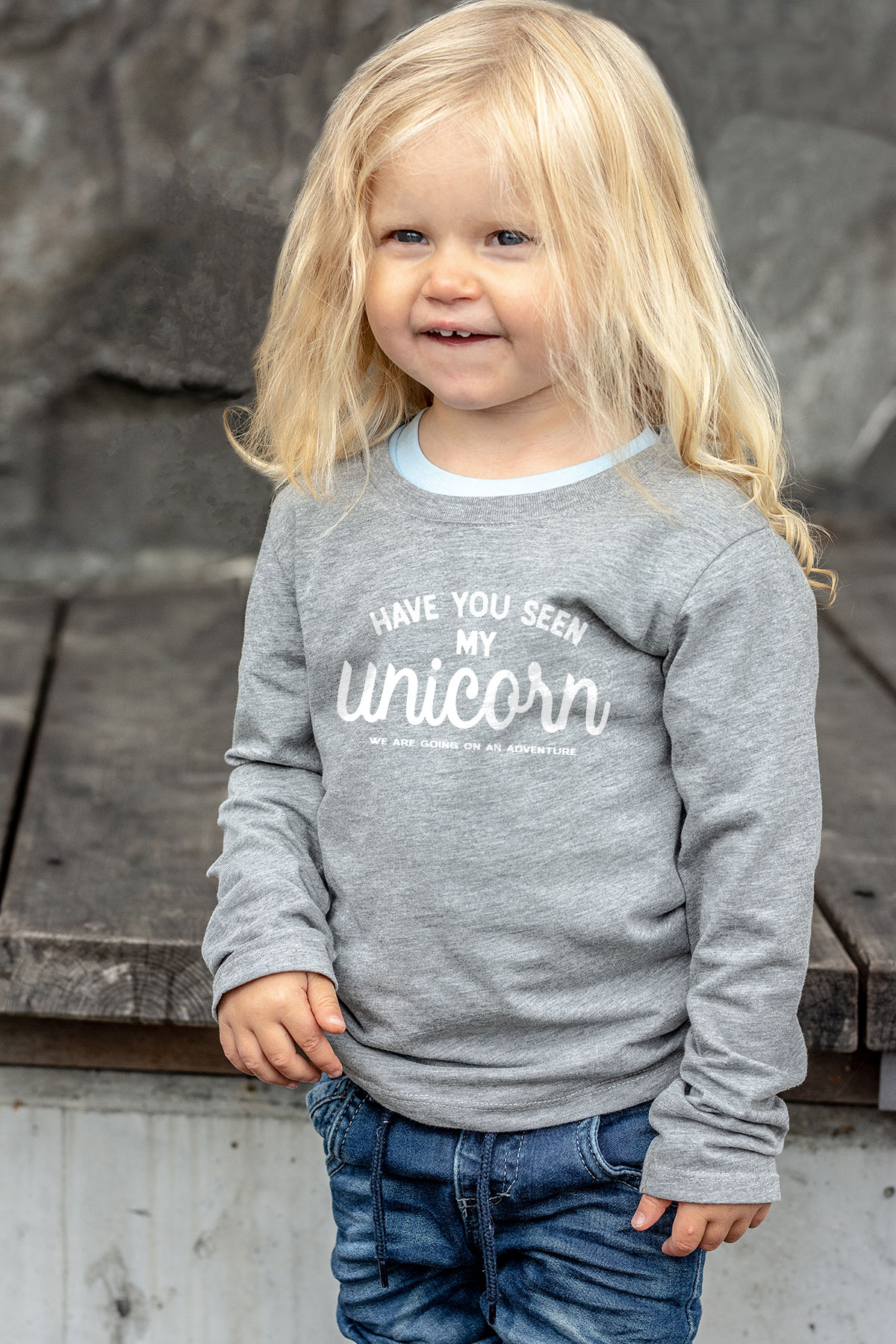 "Gullig barn t-shirt med texttrycket ""Have you seen my unicorn?"" www.luckimi.co"