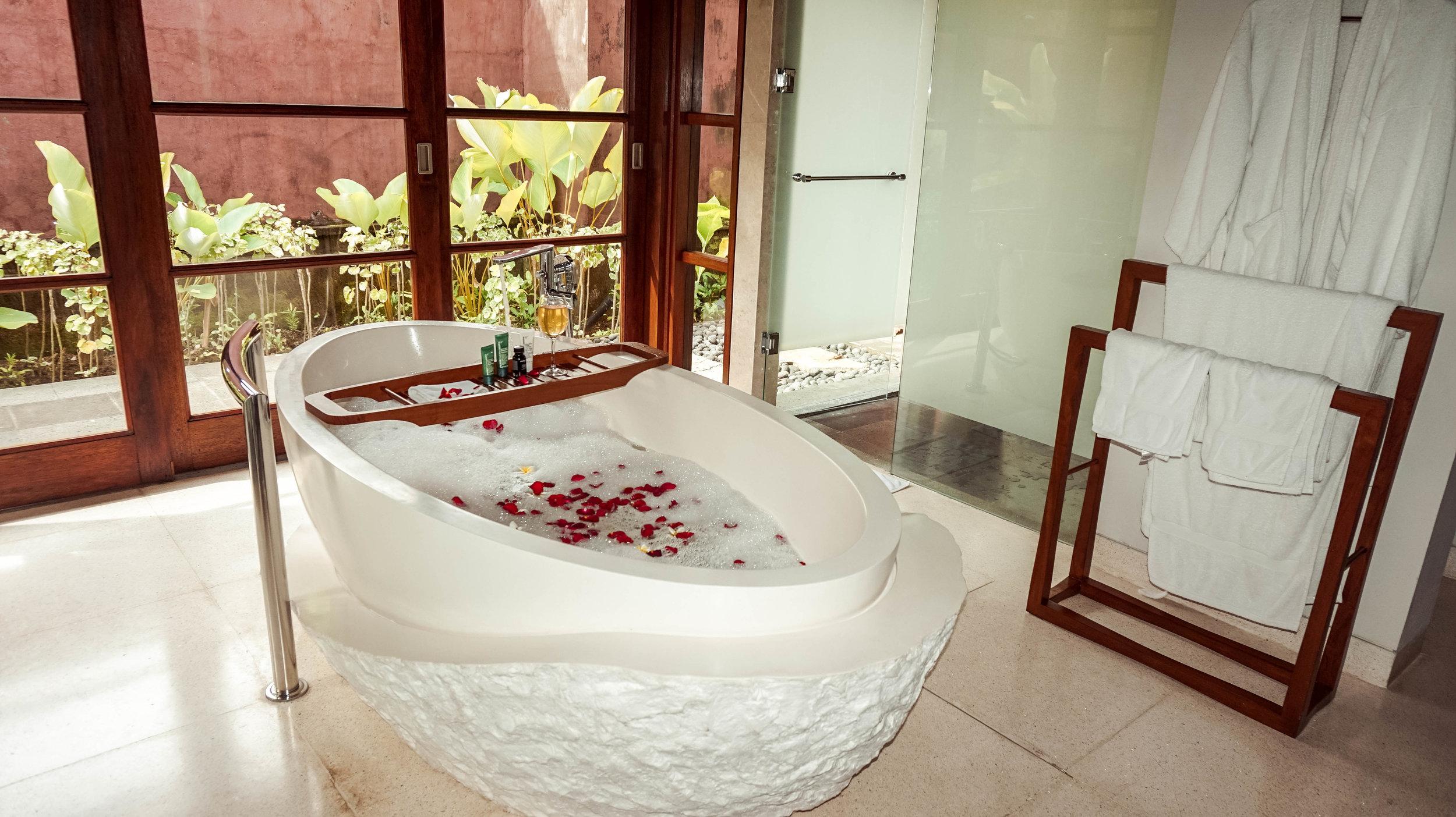 Hilton-bali-resort-1bedroom-villaspa.jpg