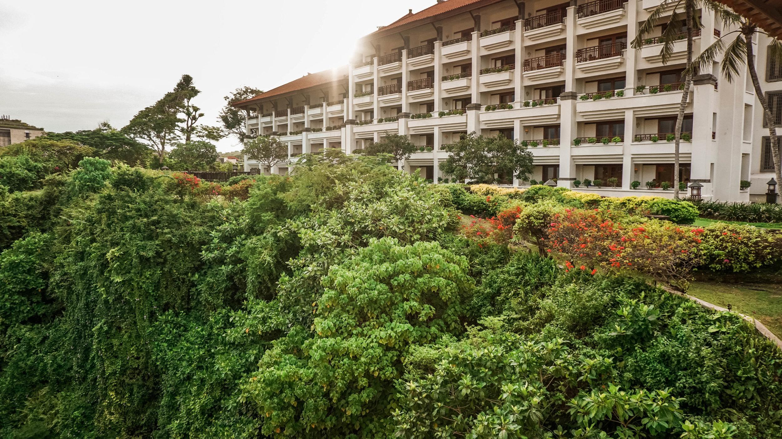 Hilton-bali-resort-grounds-2018.jpg