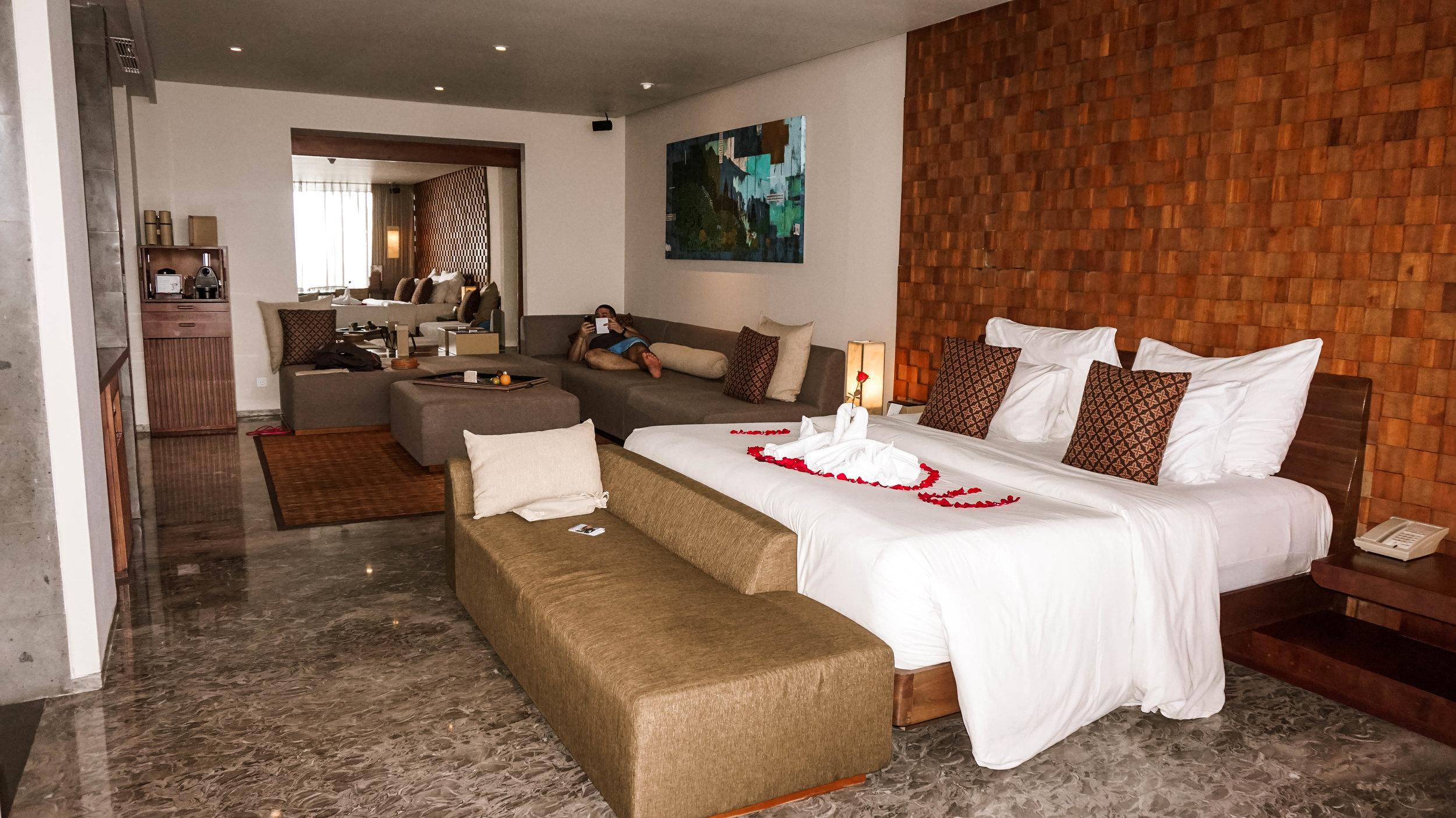 Anantara-uluwatu-bali-resort-oceanfront-suite-2018.jpg