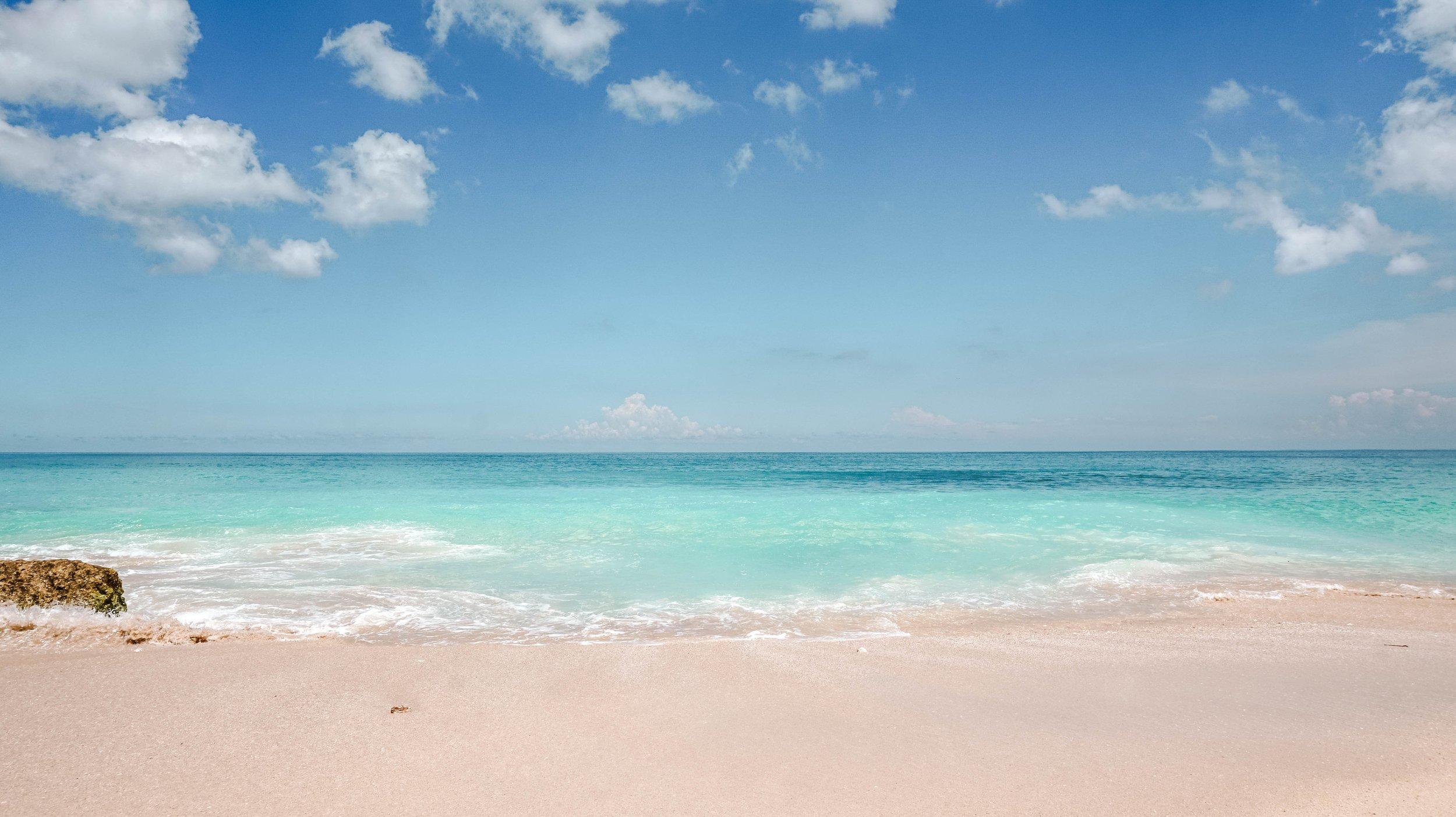 dreamland-beach-bali-uluwatu-2018.jpg