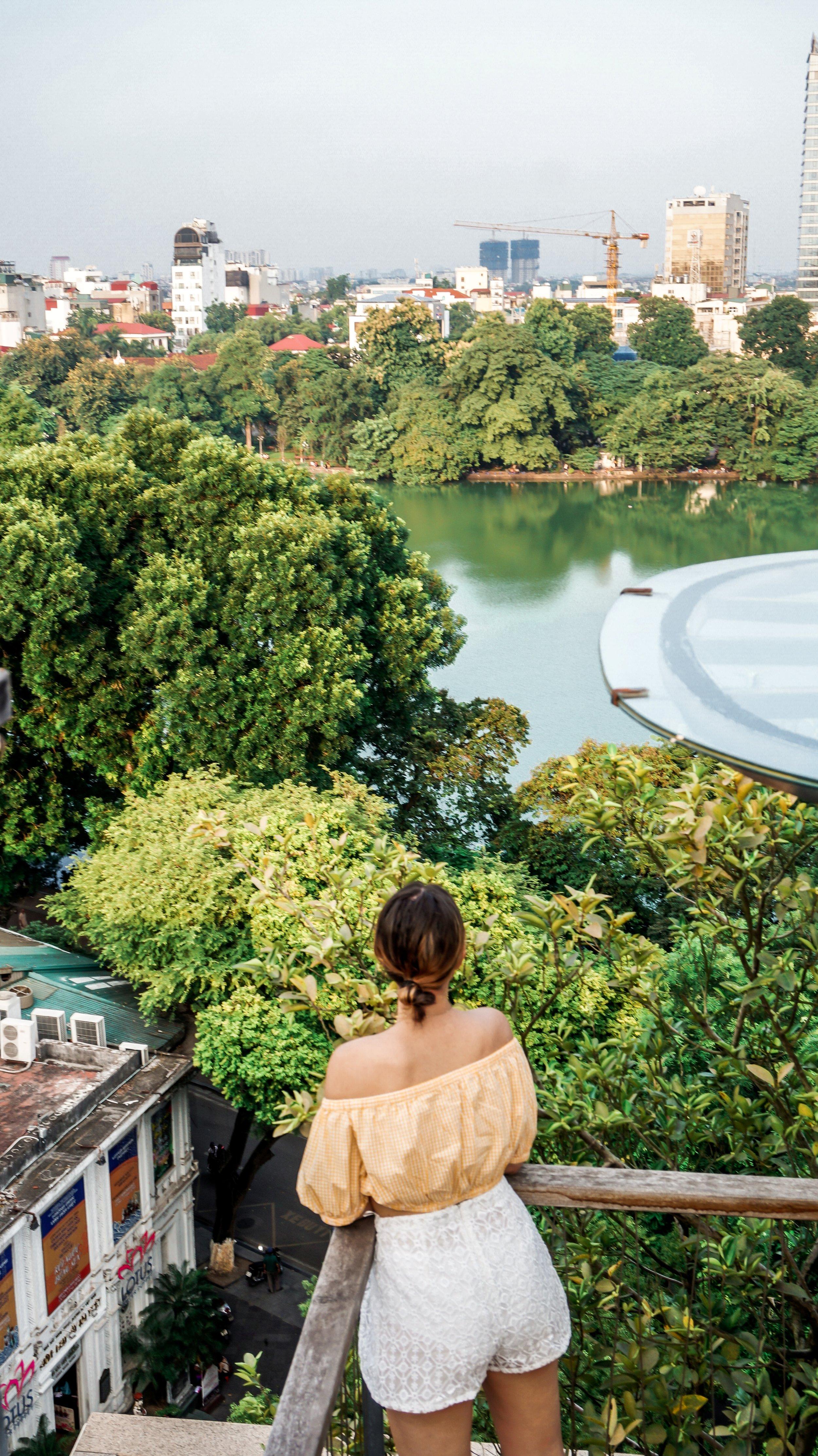 apricot-hotel-rooftop-bar-2019.jpg