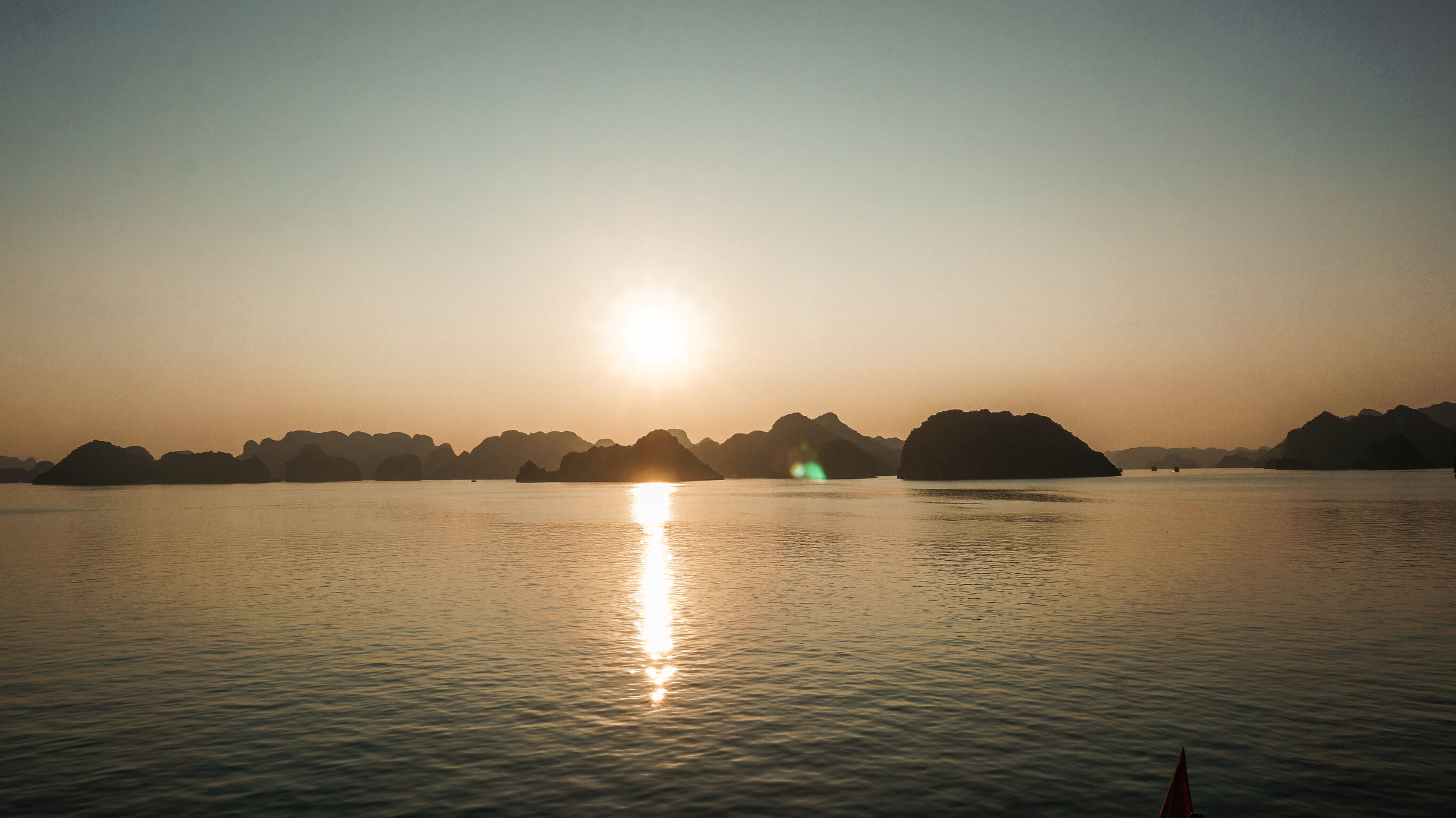 ha-long-bay-sunrise-2019.jpg