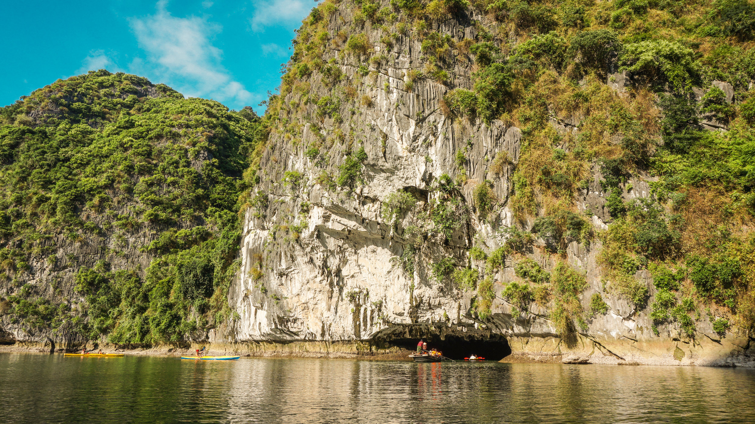 ha-long-bay-vietnam-2019.jpg