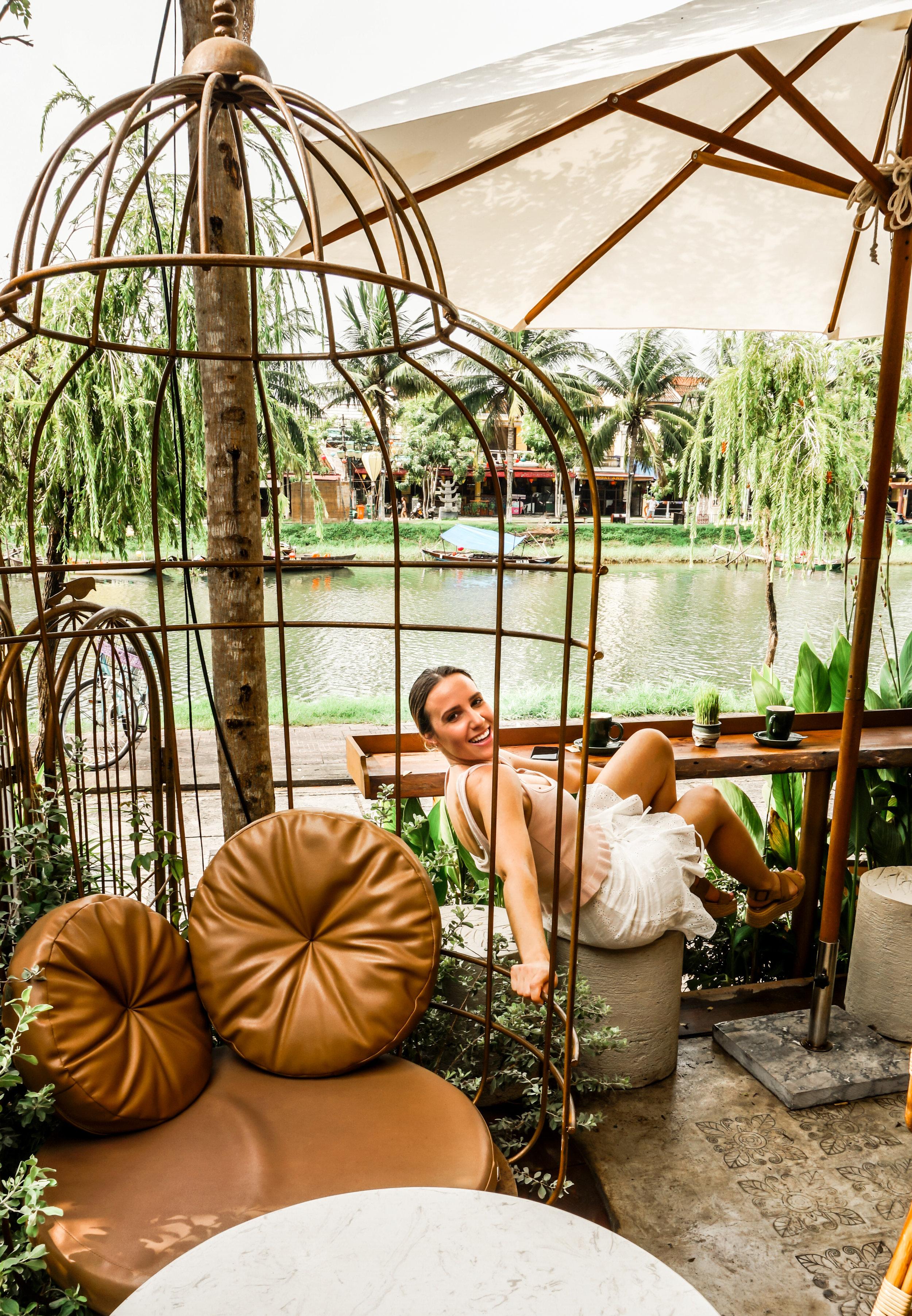 bird-cage-vietnam-meaning-symbol-2019.jpg