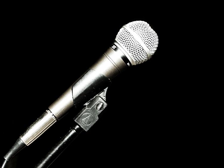 open-mic-night-1467020.jpg