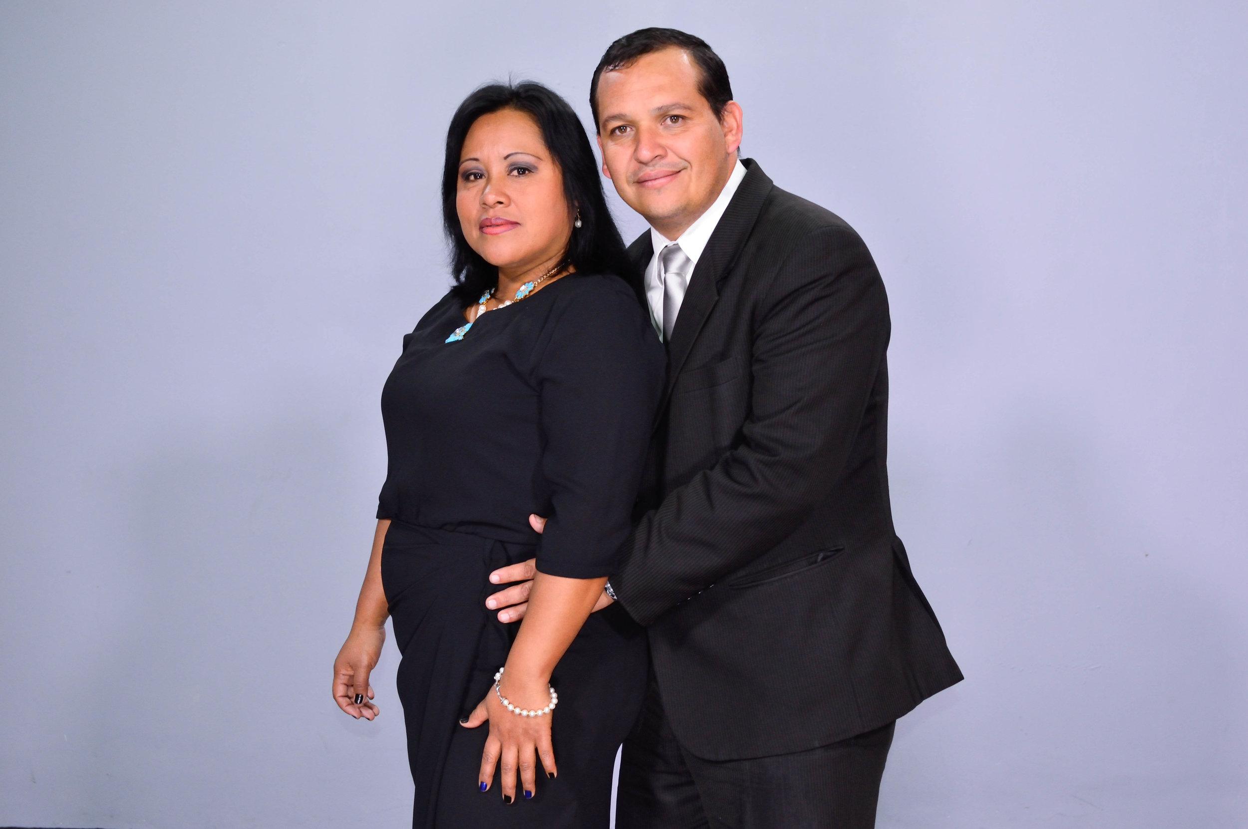 Pastores Luis y Mariana de Grijalva