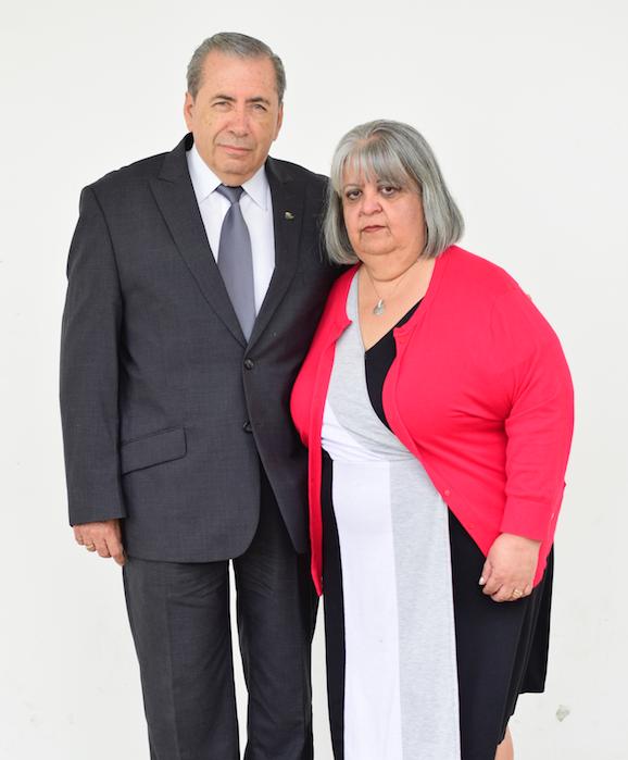 Leonel y Julita de Grajeda -          Ministerio Armonía