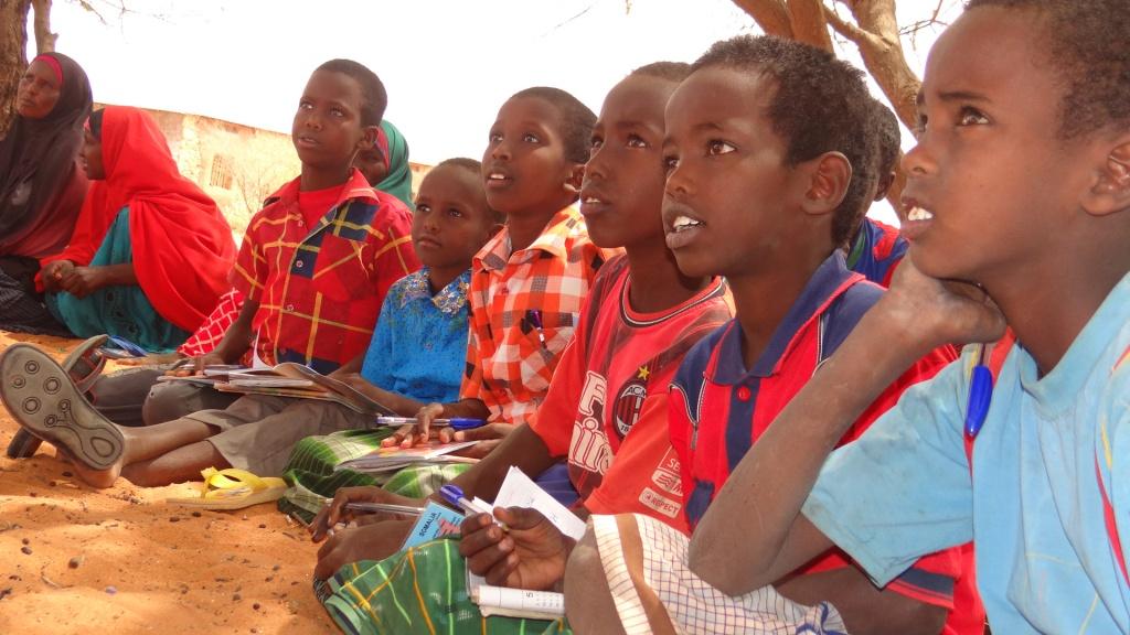 Programme d'alphabétisation à 150km de Adado, Somalie