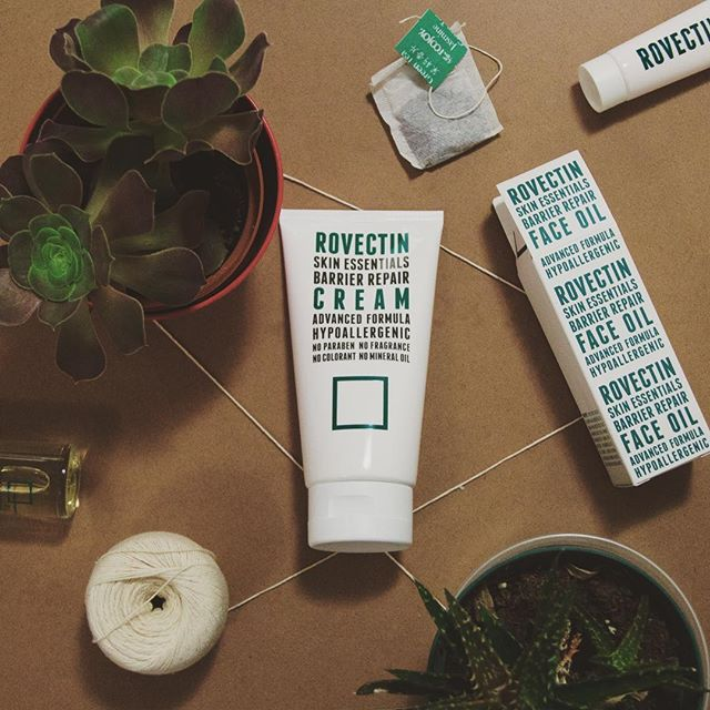 At Rovectin, we believe everyone deserves access to safe, #pure skincare solutions. Our creams, oils, and cleansers are made with high-quality, nourishing ingredients, all designed to help you care for your skin in a healthy, gentle, and simple way. . . #toxinfree #nontoxic #safeskincare #rovectin #green