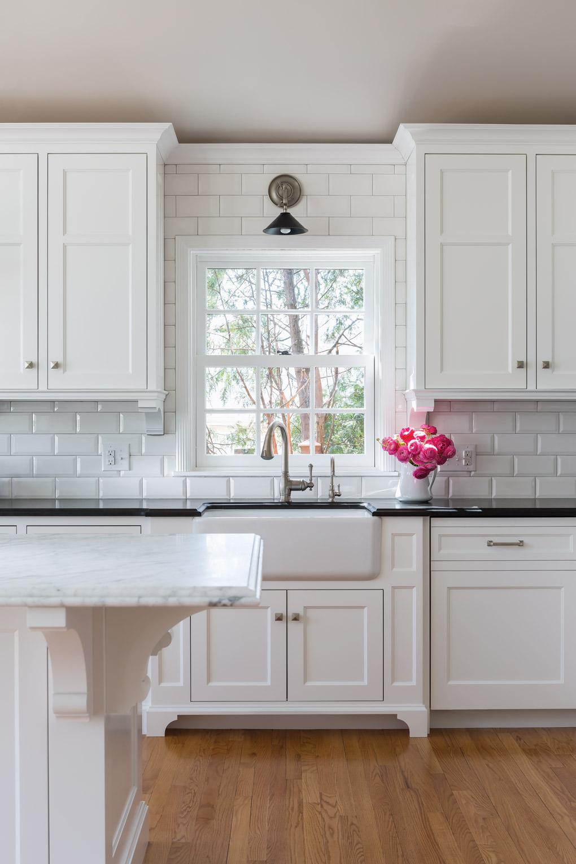 img_2014-11_Casa-Verde-Design_Kitchen-Sink_X.jpg