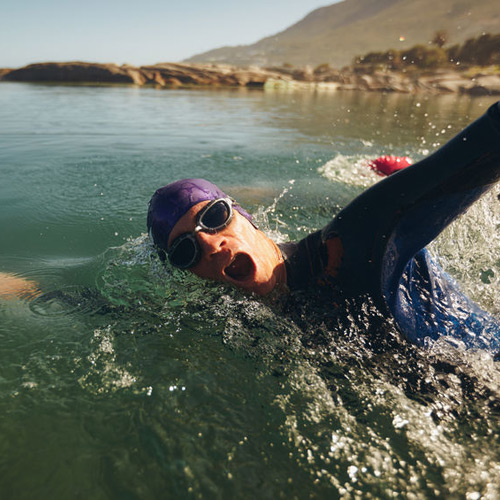open-water-swimming-male-athlete-swimming-in-lake-triathlon-long-distance-swimming-500x500.jpg