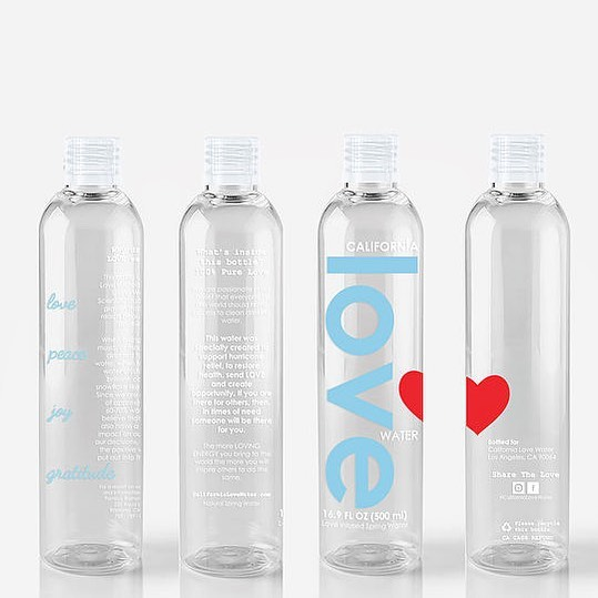 So excited to be partnered up with @californialovewater for tonight's GALentine's event!!! Love is incredibly powerful, and is actually INSIDE each bottle. When water is exposed to positive music, words, and thoughts — and then frozen, it crystallizes into brilliant, colorful snowflake patterns. Imagine what all of that positive energy from happy water could do inside your body? The more loving energy you bring to the world, the more you will inspire others to do the same. This ripple effect of life is what raises the energy consciousness of the entire world. Drink upppp 😋💛#californialovewater #lovewater