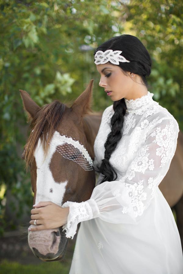 horse-bride-wedding