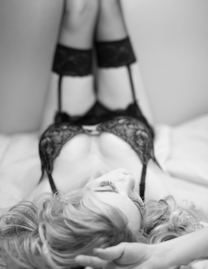boudoir+black+and+white+fashion+photography