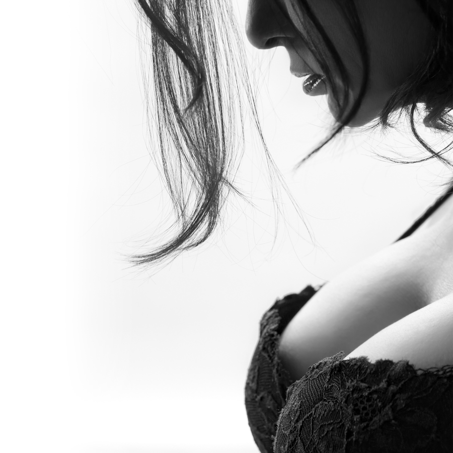 boudoir+black+and+white+fashion+photography+clevage