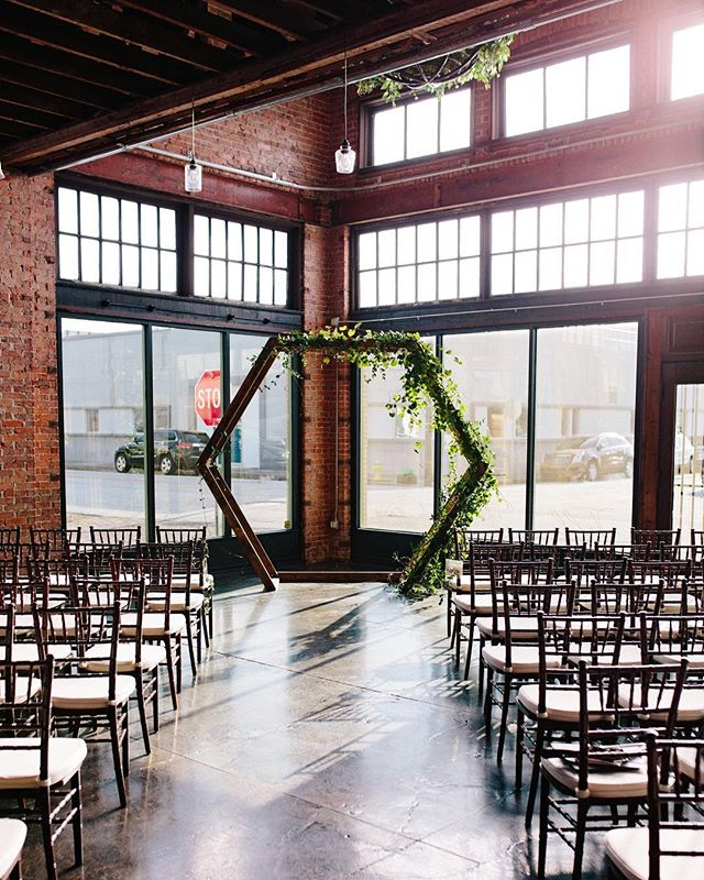 This geometric styled backdrop pairs perfectly with our space. Let's just say- We're obsessed!  @taylorfalconevents  @benjaminhewittphotography